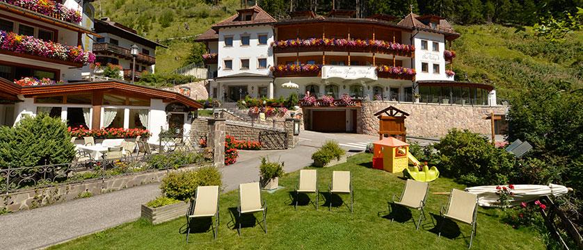 Hotel Sun Valley, Selva, Italy - garden exterior.jpg